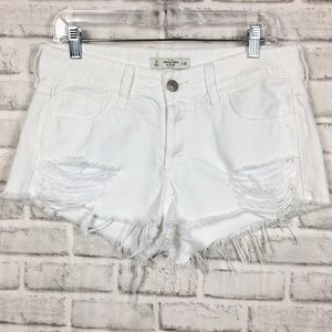 Abercrombie & Fitch Cut-Off Frayed Shorts